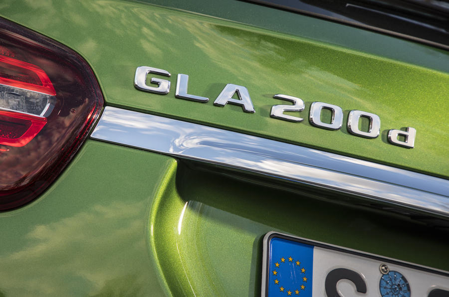 Mercedes-Benz GLA badging
