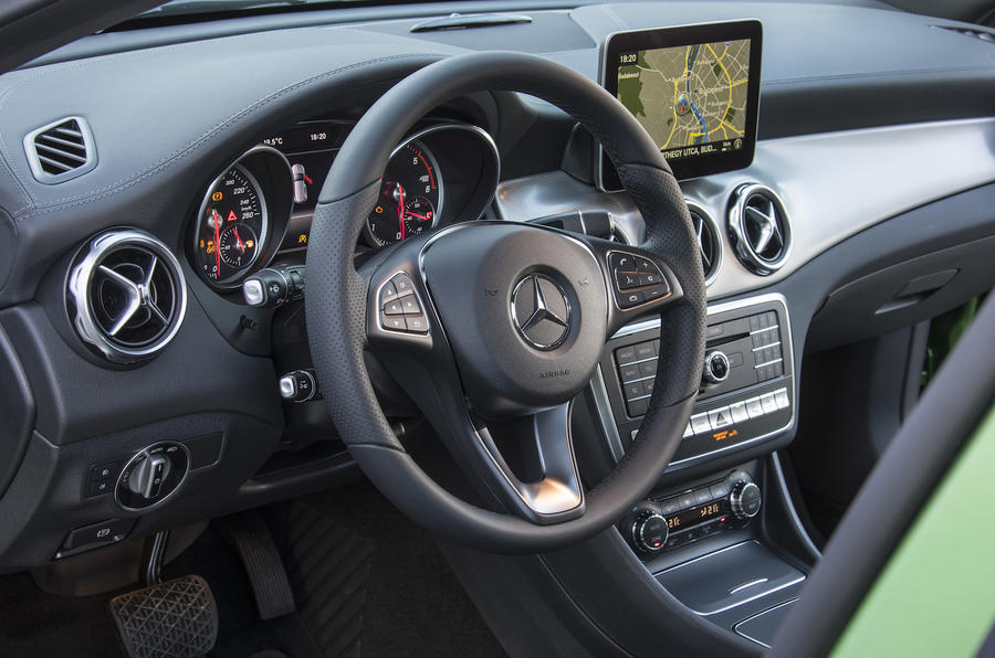 Mercedes-Benz GLA dashboard