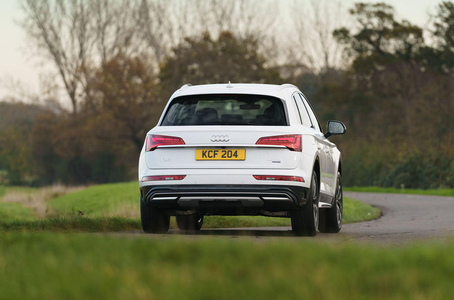 Audi Q5 40 TDI Sport 2020 UK first drive review - cornering rear