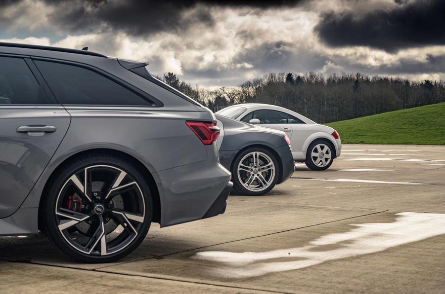 Audi RS6 Avant - static rear