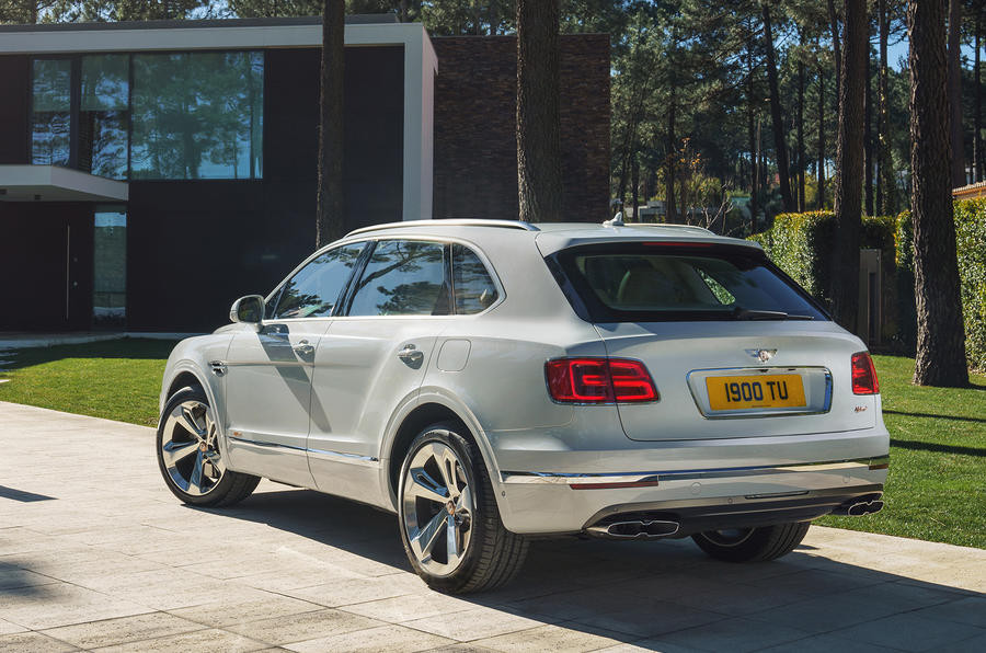 Bentley Bentayga hybrid 2019 first drive review - static rear
