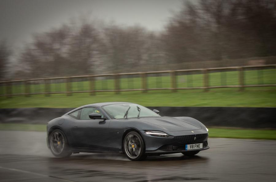 Ferrari Roma 2021 : premier examen de conduite au Royaume-Uni - Goodwood