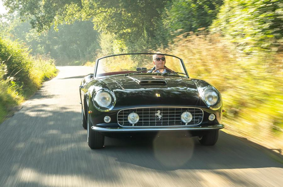 18 GTO California Spyder revival 2021 UE FD sur le devant de la route