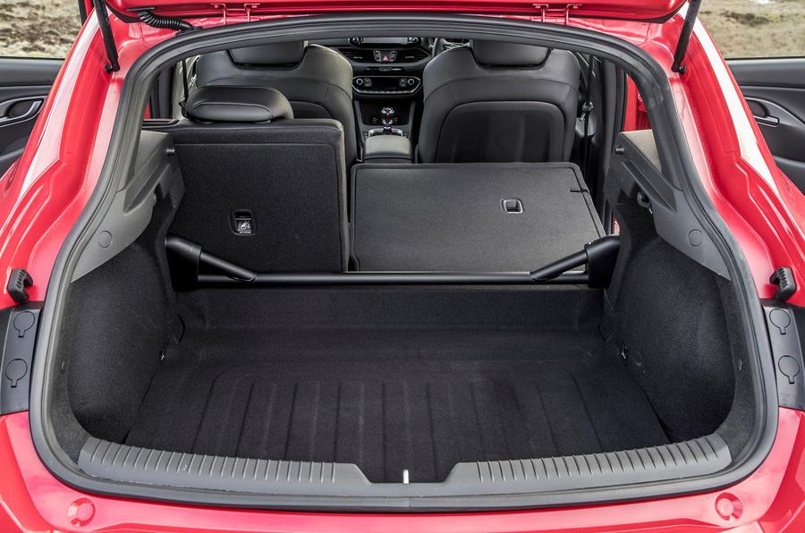 Hyundai i30 Fastback N 2019 UK first drive review - boot
