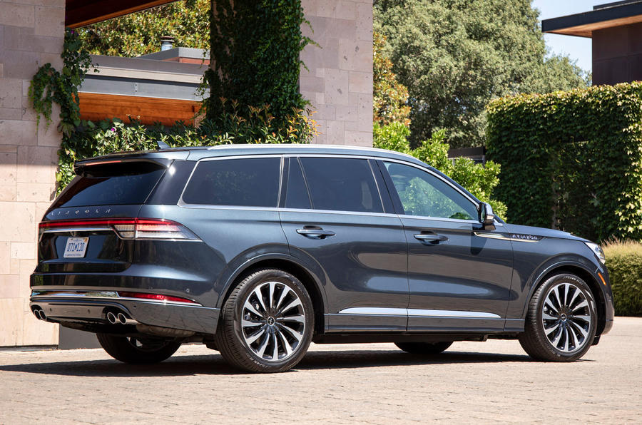 Lincoln Aviator 2020 first drive review - static rear