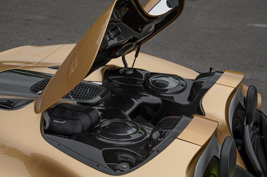 18 McLaren Elva 2021 UE FD en fibre de carbone