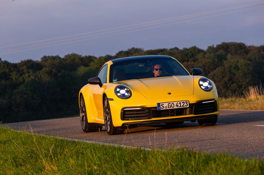 Porsche 911 Carrera 2019 first drive review - on the road front