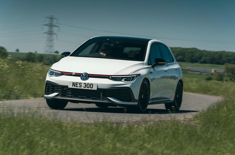18 Volkswagen Golf GTI Clubsport 45 2021 UE FD avant de virage