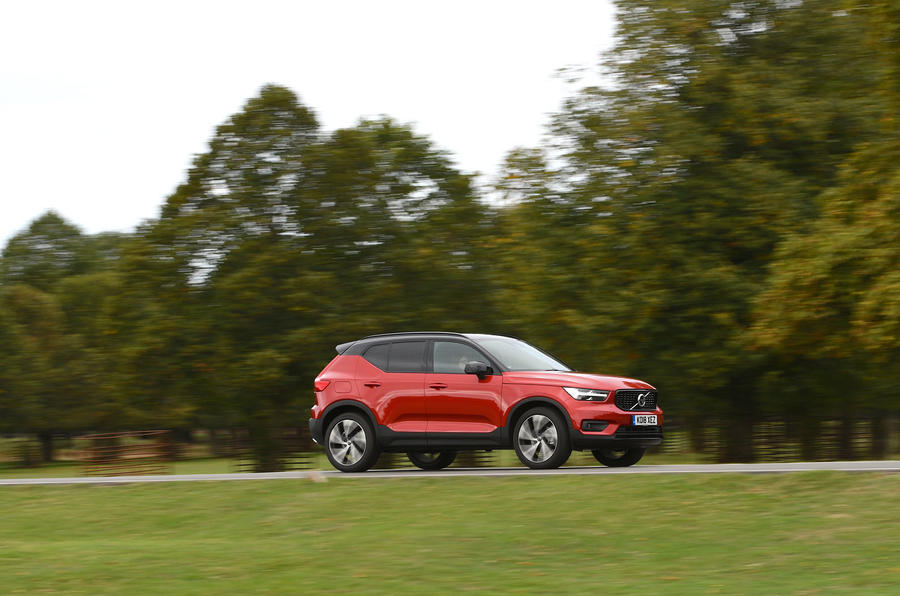 Volvo XC40 2018 long-term review - on the road side