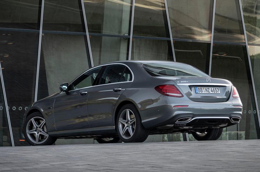 Mercedes-Benz E300 e