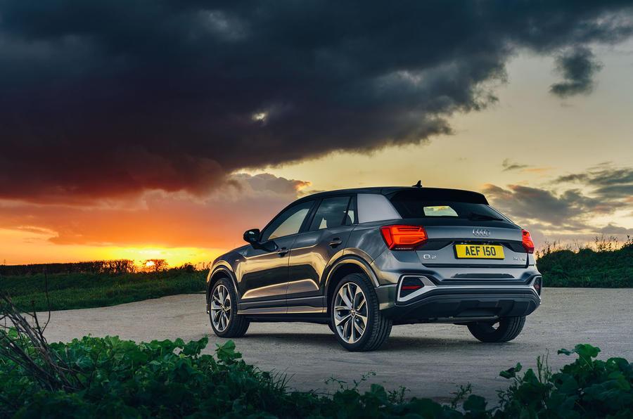 Audi Q2 35 TFSI Sport 2020 : premier bilan de conduite au Royaume-Uni - statique arrière
