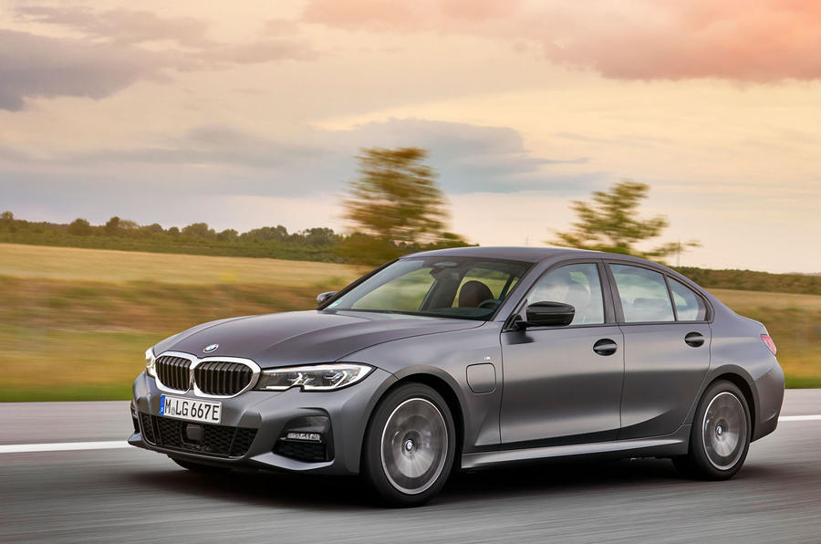 BMW 3 Series 330e 2019 first drive review - on the road
