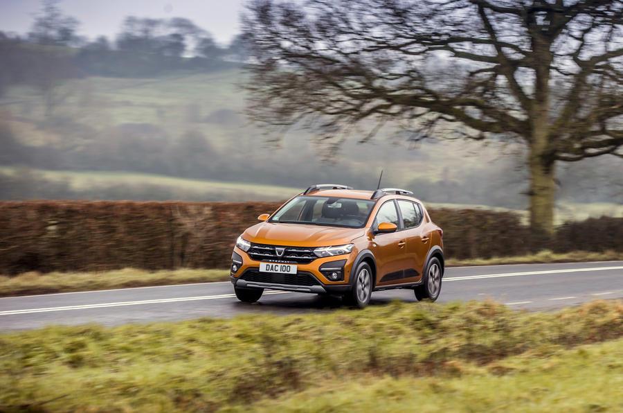 19 Dacia Sandero Stepway 2021 Premier examen de conduite sur le front de la route au Royaume-Uni