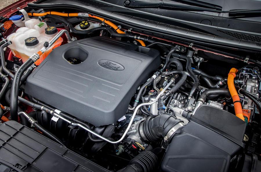 19 Ford Kuga FHEV 2021 UE FD moteur