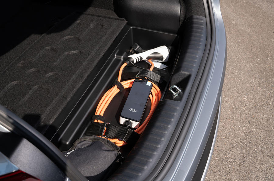 Kia Xceed plug-in hybrid 2020 UK first drive review - cable storage