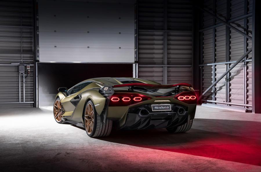 19 Lamborghini Sian 2021 : premier examen de l'arrière statique au Royaume-Uni