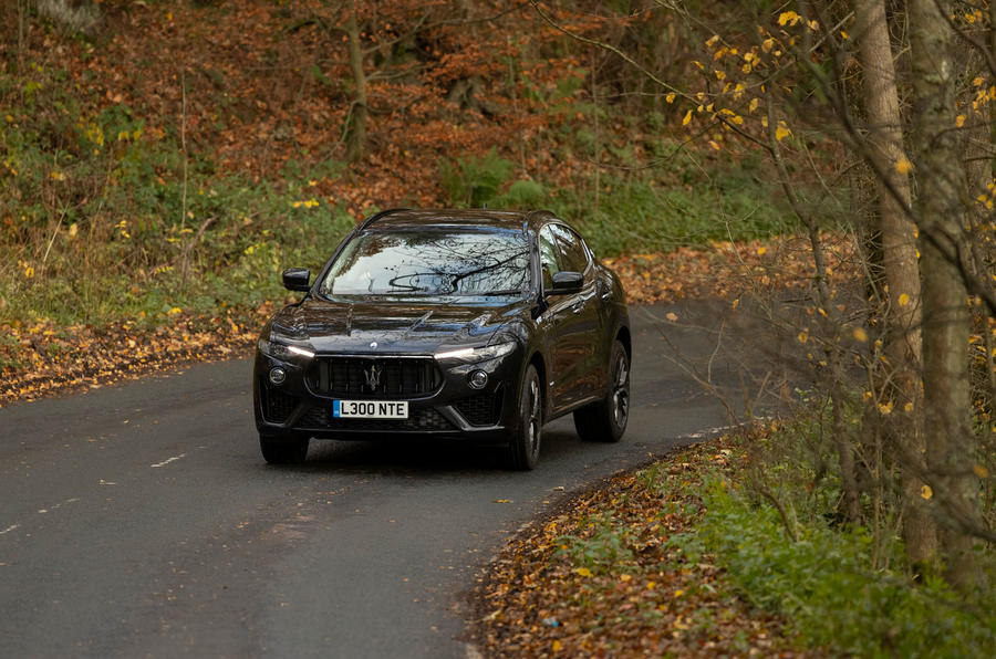 Maserati Levante GranSport V6 2018 first drive - cornering front