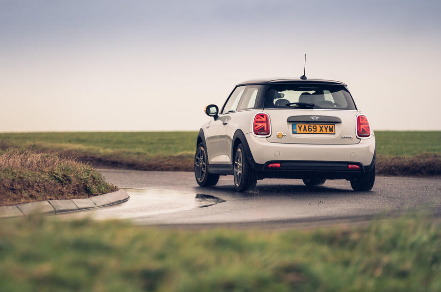 Mini Electric 2020 UK first drive review - cornering rear