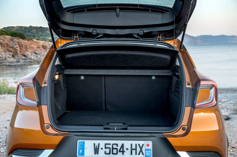 Renault Captur 2019 first drive review - boot