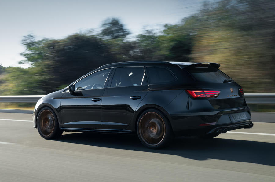 Seat Leon Cupra R ST 2019 first drive review - on the road side