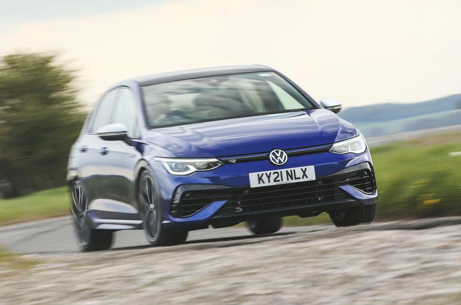 19 Volkswagen Golf R performance pack 2021 UE FD sur route avant