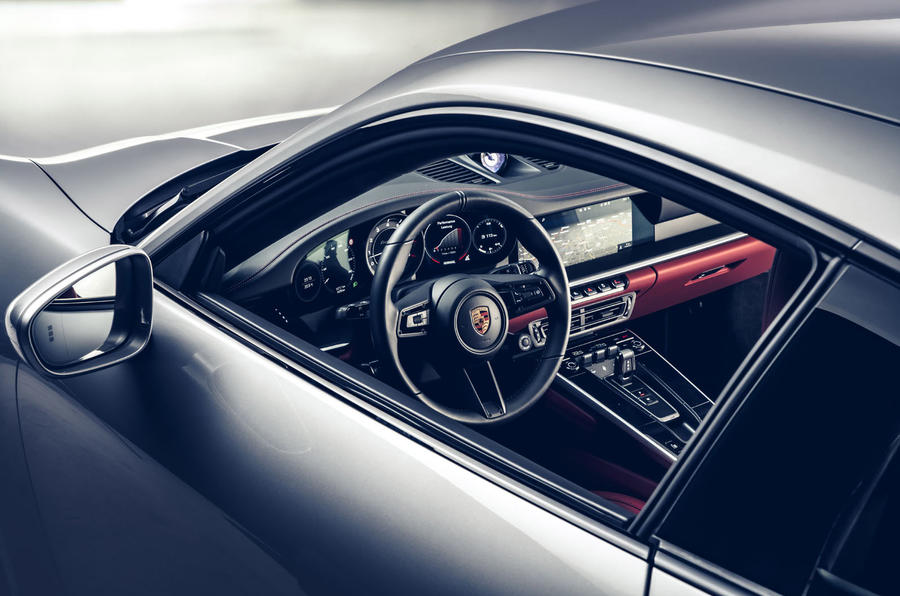 Porsche 911 Turbo S 2020 - interior