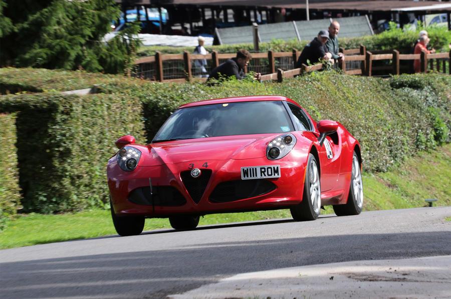 Alfa Romeo 4C - front