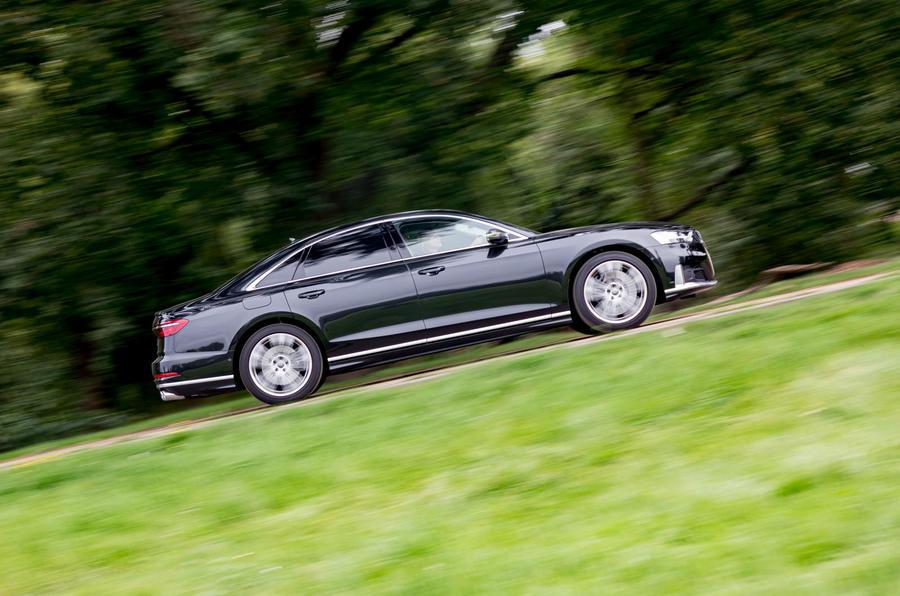 Audi S8 2020 : premier bilan de conduite au Royaume-Uni - côté héros