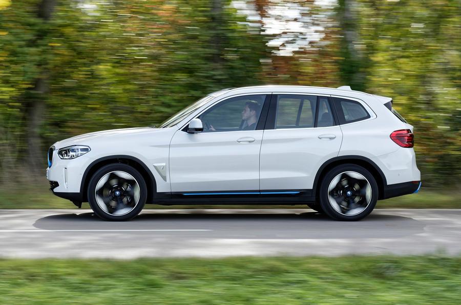 BMW iX3 2020 : premier bilan de conduite - côté héros