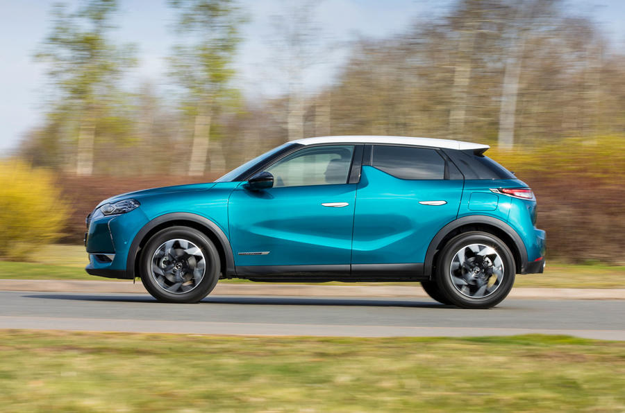 DS 3 Crossback 2019 UK first drive review - hero side