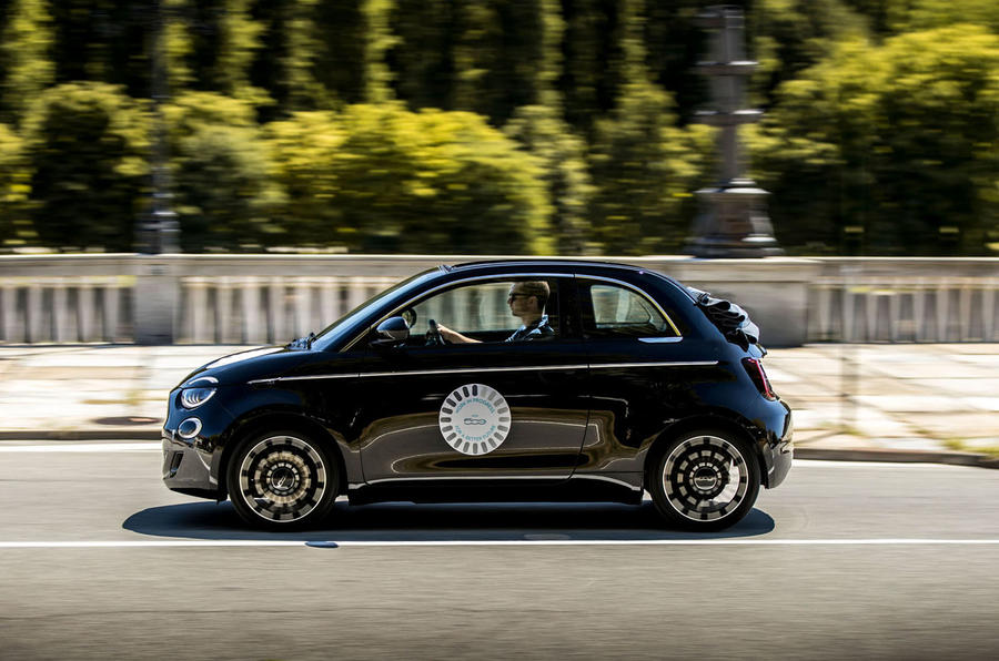 Fiat 500 electric 2021 first drive review - hero side