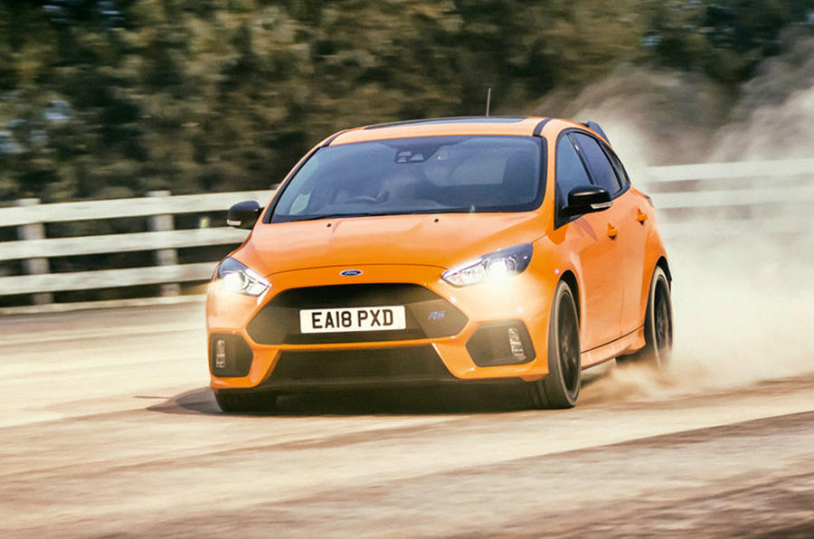 Ford Focus RS 2018 - hero front