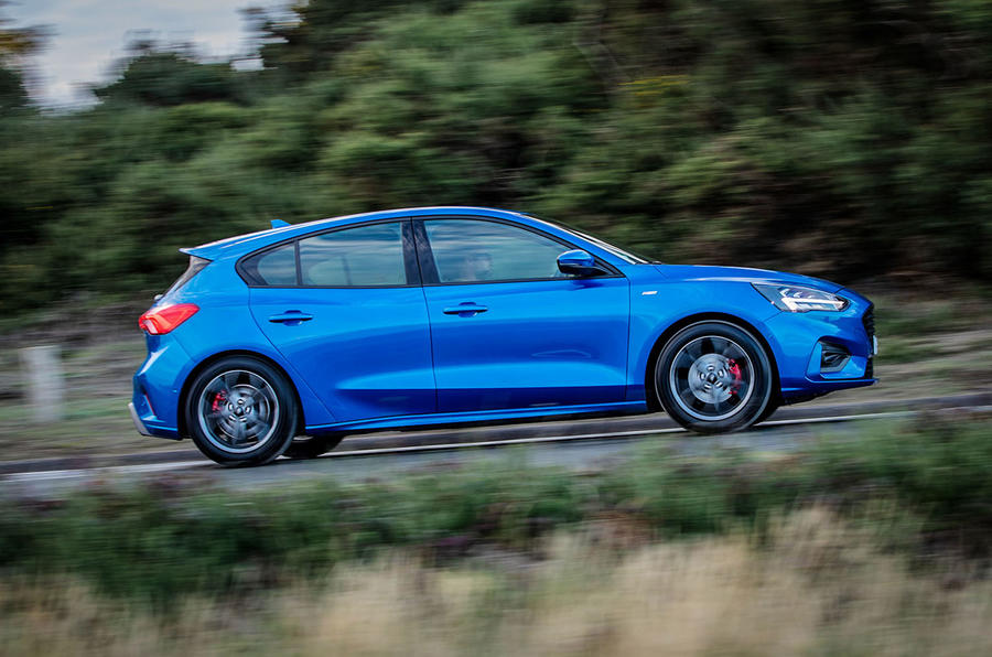 Ford Focus ST-Line 182PS 2018 UK first drive review - hero side