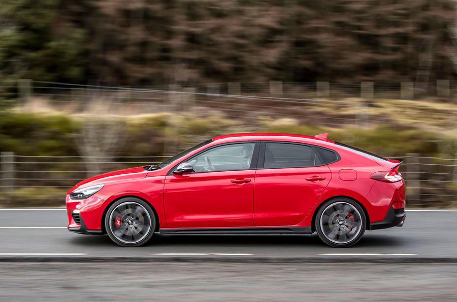 Hyundai i30 Fastback N 2019 UK first drive review - hero side