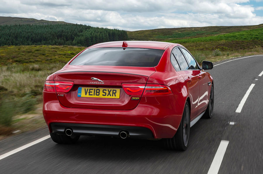 jaguar xe 300 sport 2018 uk review autocar. Black Bedroom Furniture Sets. Home Design Ideas