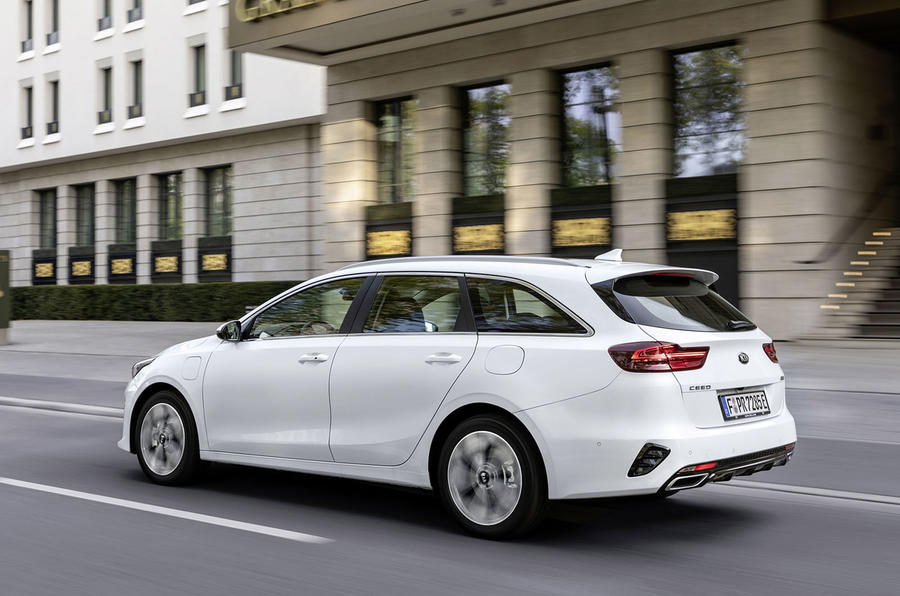 Kia Ceed Sportswagon PHEV 2020 first drive - hero rear