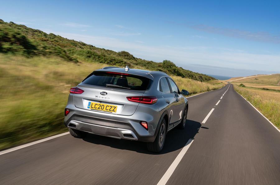 Kia Xceed plug-in hybrid 2020 UK first drive review - hero rear