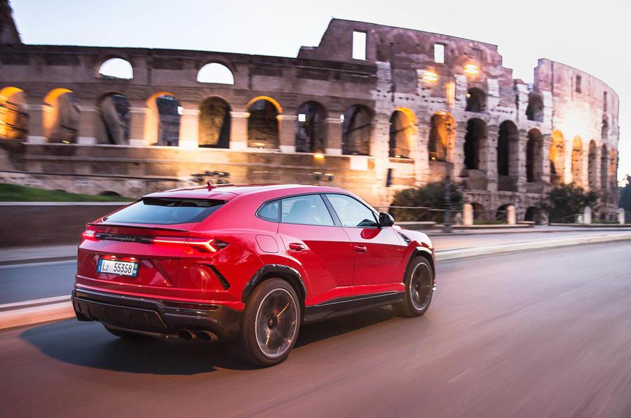 Lamborghini Urus review 2018 hero rear