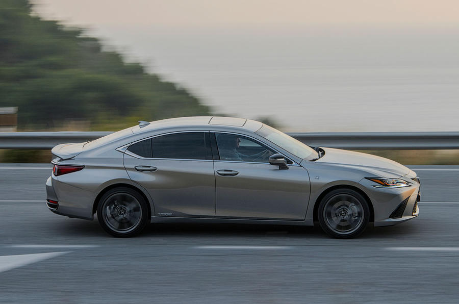 Lexus ES 2019 first drive review - hero side
