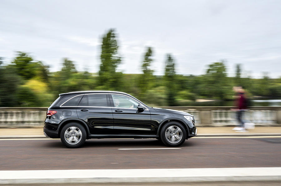 Mercedes-Benz GLC 220d 2019 UK first drive review - hero side