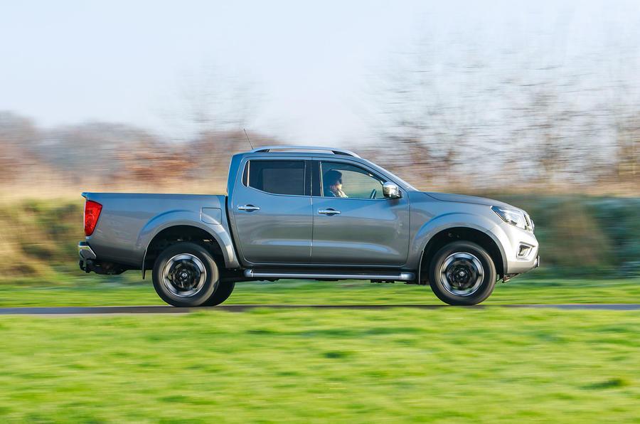Nissan Navara 2020 : premier bilan de la conduite au Royaume-Uni - côté héros