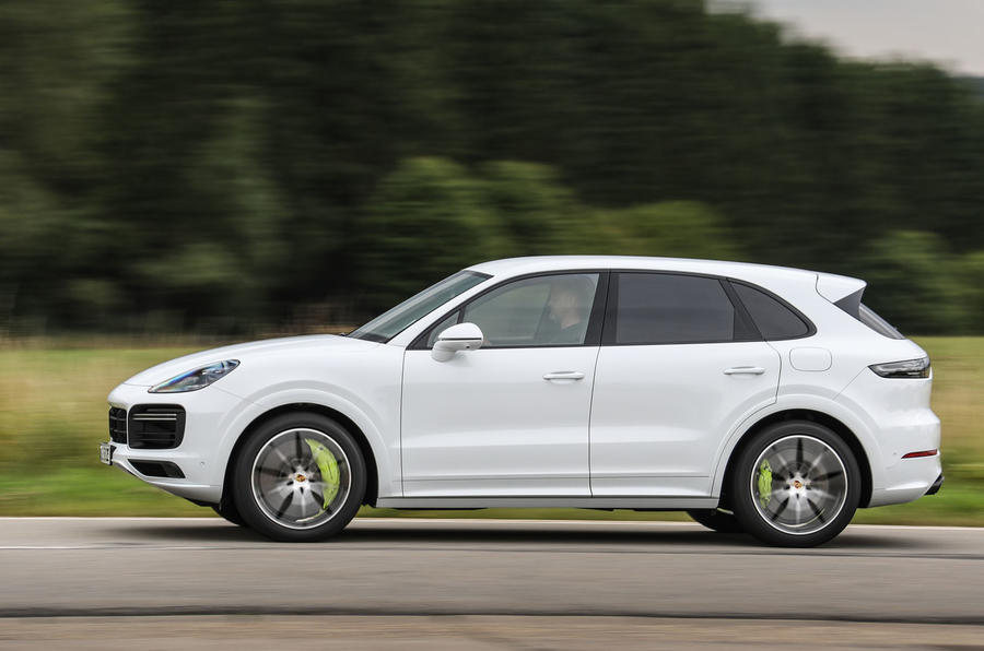 Porsche Cayenne Turbo S E-hybrid 2019 first drive review- hero side