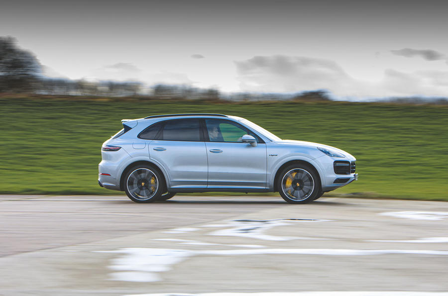 Porsche Cayenne Turbo S E-Hybrid 2020 UK first drive review - hero side