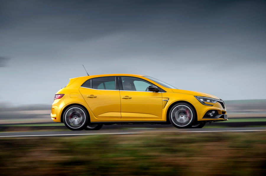 Renault Megane RS 300 Trophy 2019 UK first drive review - hero side