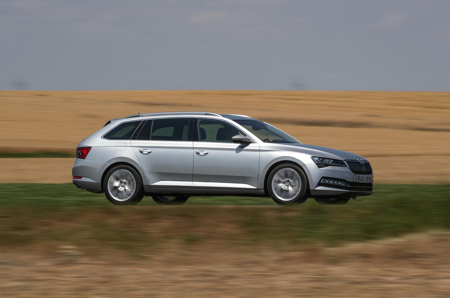 Skoda superb side action