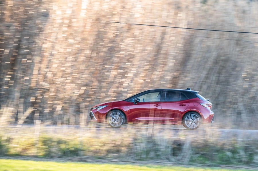 Toyota Corolla hybrid hatchback 2019 first drive review - hero side