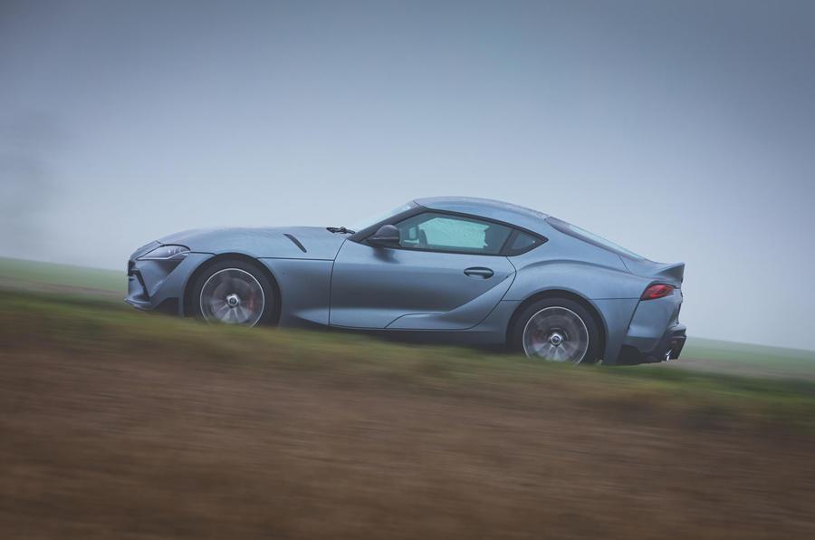 2 Toyota GR Supra 2 litres 2021 : premier bilan de conduite au Royaume-Uni côté héros