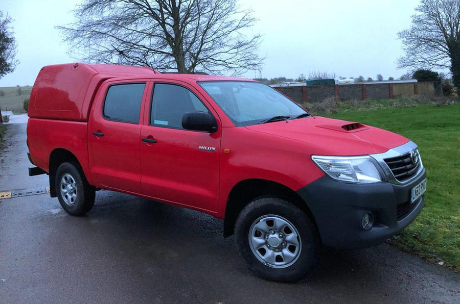 Toyota Hilux Double Cab - static front