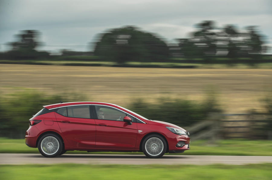 Vauxhall Astra 1.2 Elite Nav 2020 UK first drive review - hero side