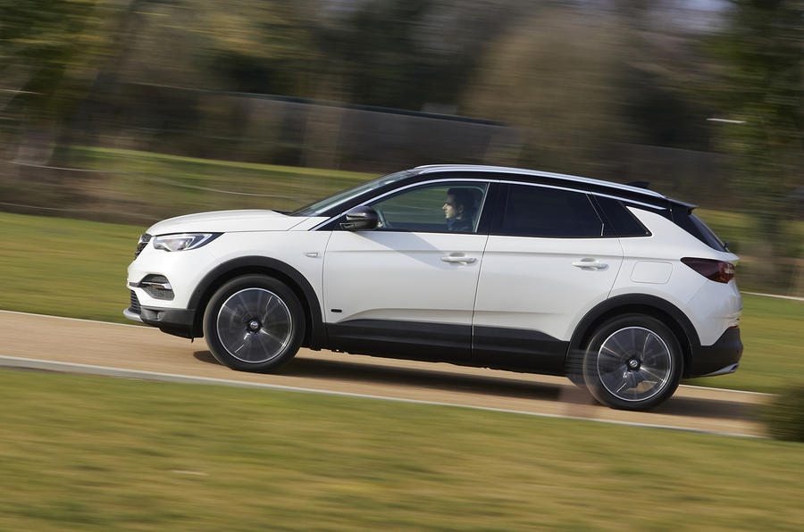 Vauxhall Grandland X Hybrid4 2020 UK first drive review - hero side